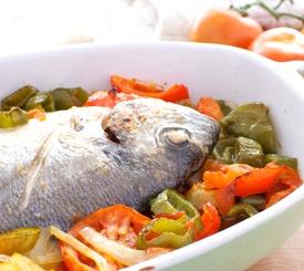Receta fácil de dorada al horno con verduras