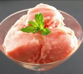 Sorbete frío de melón, sandía y yogur natural