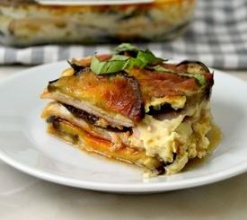 Pastel de berenjena, jamón york y queso