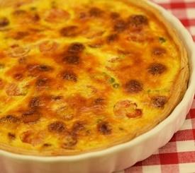 Tarta salada de queso y tomate