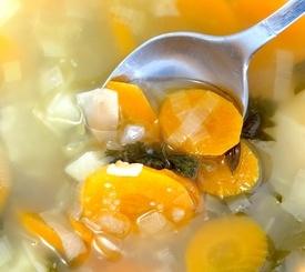 Cómo preparar un fondo de verduras