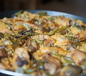 Cómo hacer paella con pollo y verduras